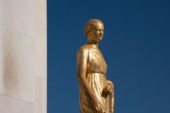 """Paris, Palais de Chaillot, Parvis des droits de l'homme, """"La campagne"""" par Paul Cornet"""