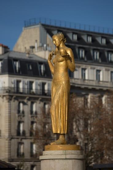Paris, Paris, Palais de Chaillot, Parvis des droits de l'Homme, DESCATOIRE, Alexandre : La Jeunesse