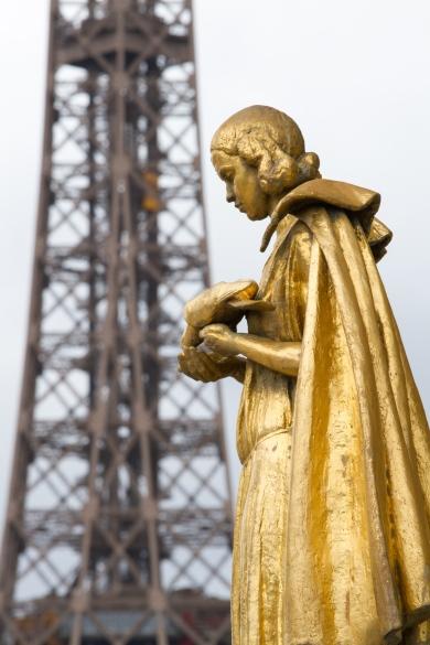 Paris, Palais de Chaillot, Parvis des droits de l'Homme, Brasseur, Lucien, les Oiseaux.